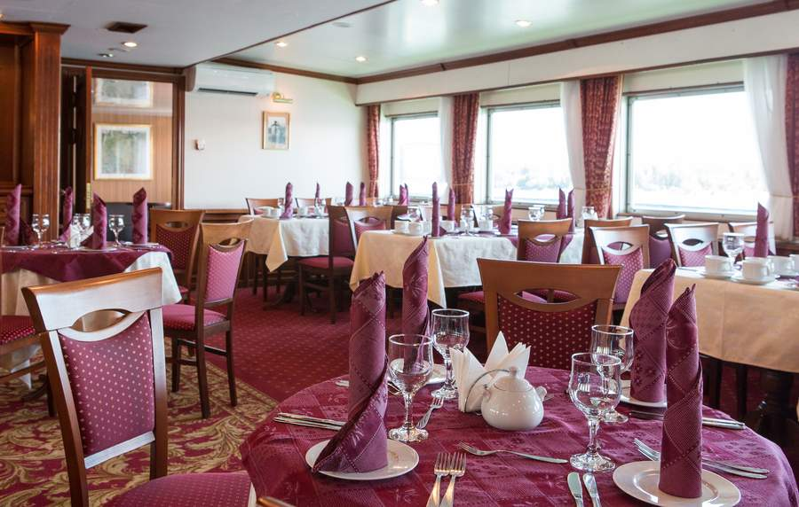 MS Dnieper Princess - Restaurant Yalta